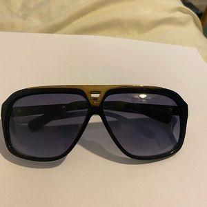 Louis Vuitton sunglasses OS